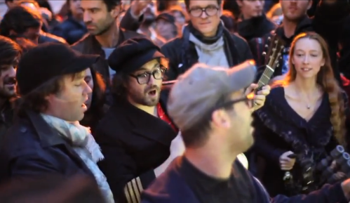 Rufus Wainwright y Sean Lennon interpretan 'Material Girl' en WS