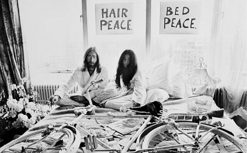 'Paz en la cama' es subastado en más de 150 mil dólares