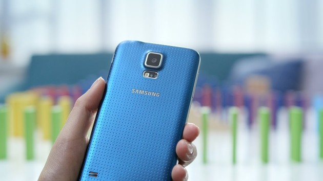 Samsung-GALAXY-S5-Official-Hands-on-630x354